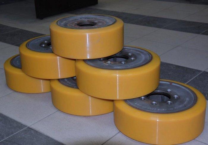 О колесных опорах для складской техники
