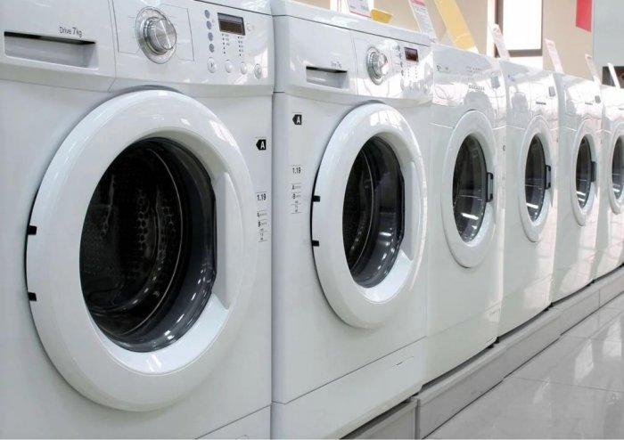 Какую стиральную машинку выбрать: автомат или полуавтомат?
